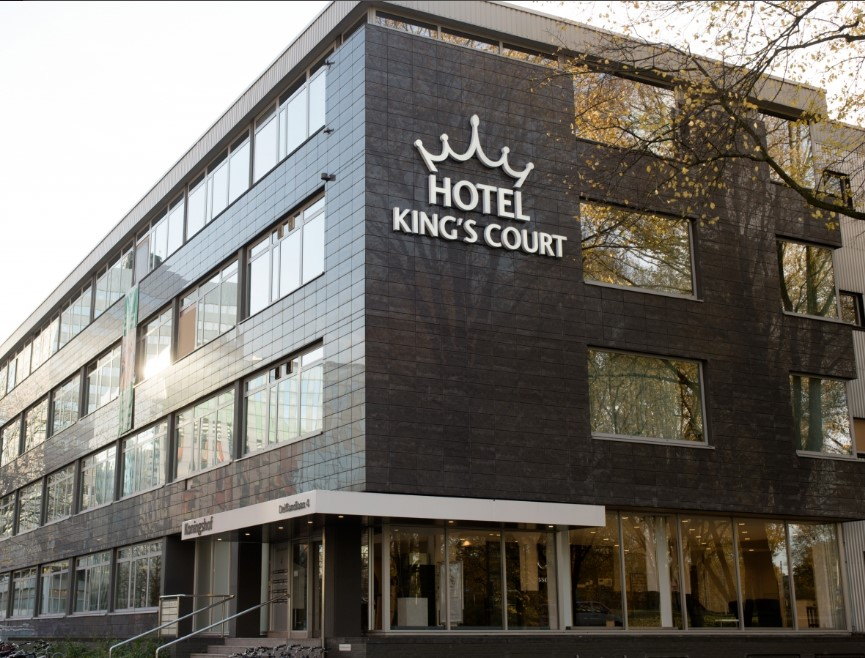 Kings's Court 3*